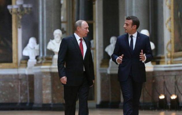 Μήνυμα Μακρόν σε Πούτιν: Να τηρείς τις δημοκρατικές αρχές
