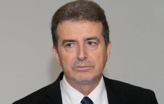 Ο Χρυσοχοΐδης καταδικάζει την αστυνομική βία – Αφορμή το χαστούκι αστυνομικού σε 12χρονο