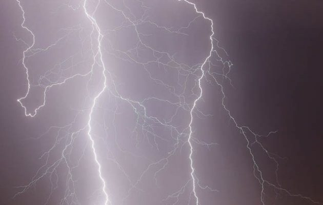 Ισχυρές καταιγίδες και χαλάζι στη Β. Ελλάδα από Παρασκευή βράδυ – Ο καιρός το Σάββατο