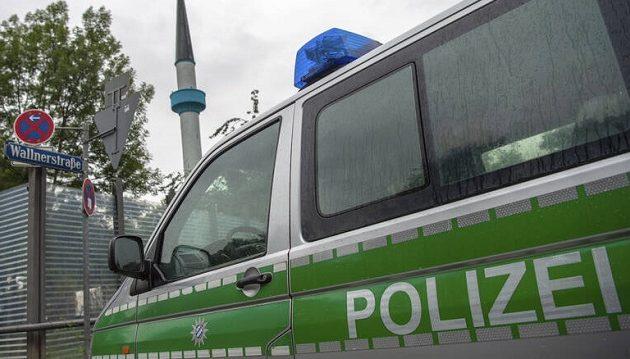 Πρόσφυγας κρατά όμηρο βρέφος σε γερμανική πόλη και ζητά τεστ πατρότητας