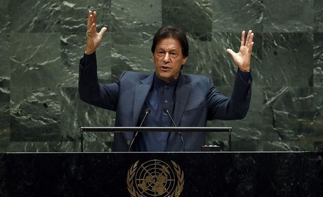 Πρωθυπουργός Πακιστάν: Η Ινδία ετοιμάζει λουτρό αίματος στο Κασμίρ