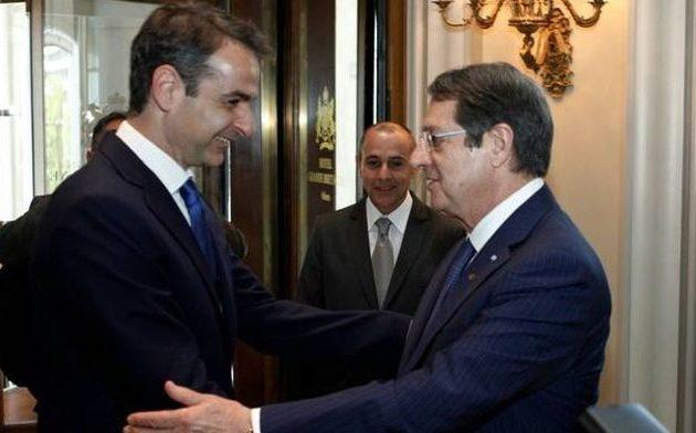 Μίλησαν τηλεφωνικά Μητσοτάκης-Αναστασιάδης και συνεννοήθηκαν για τον ΟΗΕ