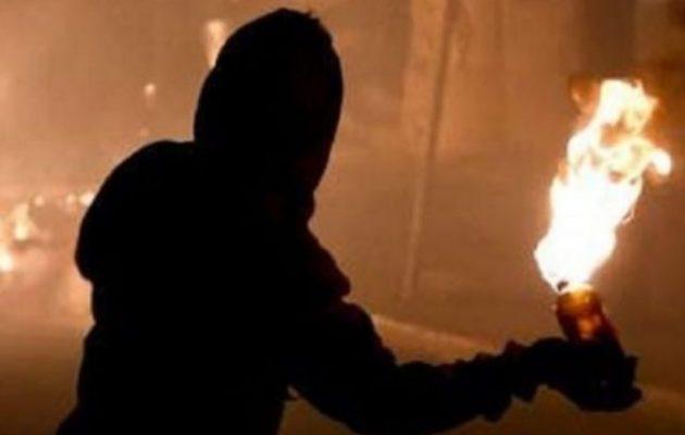 Επίθεση με μολότοφ στο Αστυνομικό Τμήμα Νέας Ιωνίας