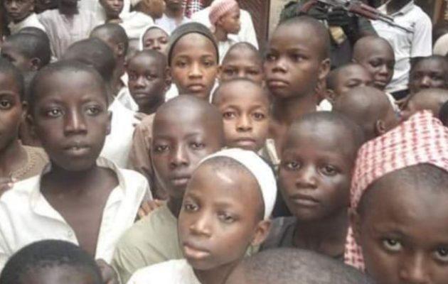 Δεν το χωράει ο νους – Σε ισλαμικό σχολείο βασάνιζαν και βίαζαν 300 αγόρια (φωτο)