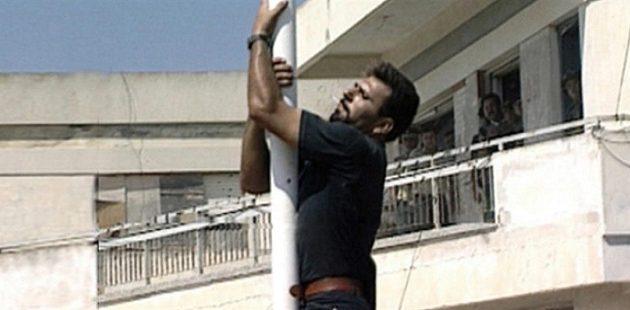 Τι είπε ο πατέρας του Σολωμού για τον 16χρονο που κατέβασε την τουρκική σημαία από σχολείο