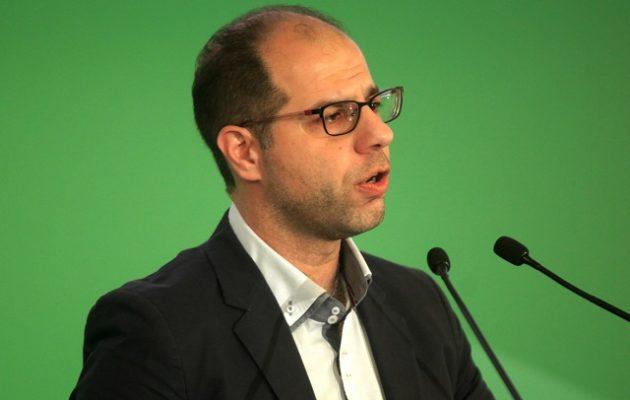 Ο εκλεγμένος γραμματέας του ΠΑΣΟΚ άδειασε Φώφη και ζητά εκλογή νέου προέδρου