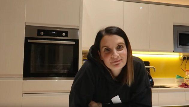 44χρονη Βρετανίδα θα γεννήσει το 22ο παιδί της (βίντεο)
