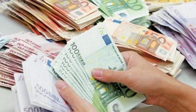 Πασίγνωστος ηθοποιός έχασε 1 εκατ. ευρώ σε ένα βράδυ (φωτο)