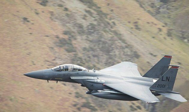 Αμερικανικό F-15 εναντίον τζιχαντιστών μισθοφόρων της Τουρκίας στη βόρεια Συρία