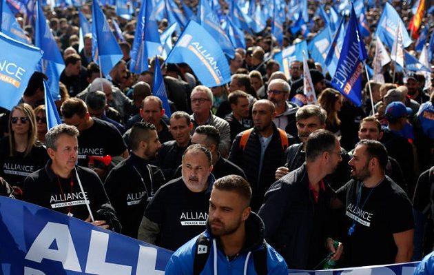 Οι Γάλλοι αστυνομικοί ξεκινούν απεργία μετά από 20 χρόνια