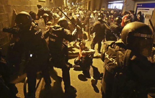 Νέες συγκρούσεις και επεισόδια αστυνομίας-διαδηλωτών στην Καταλονία (φωτο)