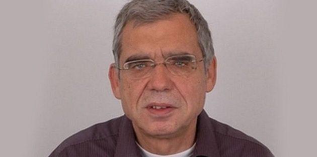 Πέθανε ο δημοσιογράφος και εμβληματικός «Αποδυτηριάκιας» Κώστας Καίσαρης