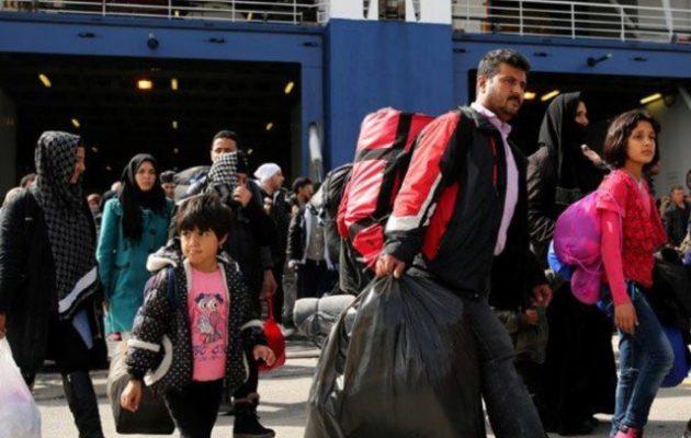 179 πρόσφυγες και μετανάστες από τα νησιά έφτασαν στον Πειραιά