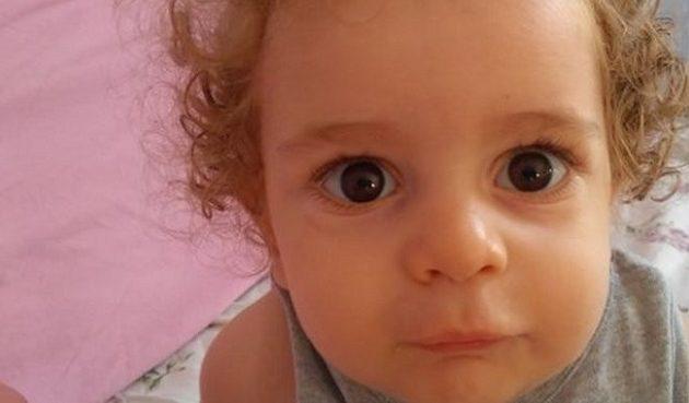 Στο νοσοκομείο με ίωση o μικρός Παναγιώτης-Ραφαήλ – Τι λένε οι γονείς του