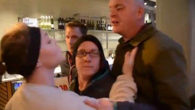 Βίγκαν ακτιβίστρια γρονθοκοπήθηκε από πελάτη πιτσαρίας (βίντεο)