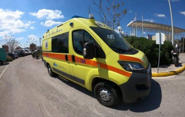 Τραγικό δυστύχημα: Λεωφορείο που μετέφερε πρόσφυγες πάτησε δίχρονο προσφυγόπουλο