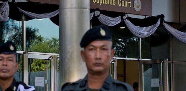 Κατηγορούμενος πρώην αστυνομικός σκότωσε δύο μέσα σε δικαστήριο της Ταϊλάνδης