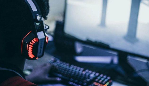 17χρονος πέθανε από εγκεφαλικό – Έπαιζε όλο το βράδυ παιχνίδια στον υπολογιστή