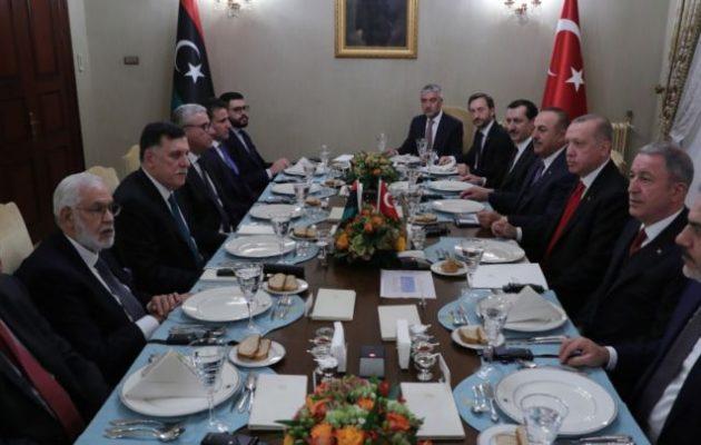 Η Τρίπολη ενέκρινε το βράδυ της Πέμπτης τη συμφωνία με την Άγκυρα για τις ΑΟΖ