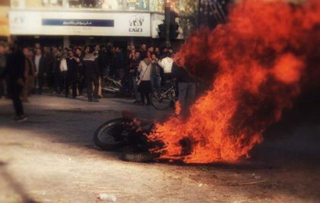 Ο υπ. Εσωτερικών του Ιράν προειδοποίησε τους διαδηλωτές
