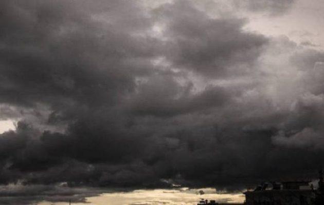 Άστατος ο καιρός την Τρίτη με βροχές και καταιγίδες