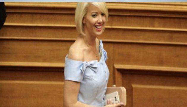 H Μυκονιάτισσα βουλευτής που παρακαλούσε για σοκολατάκι στη Βουλή