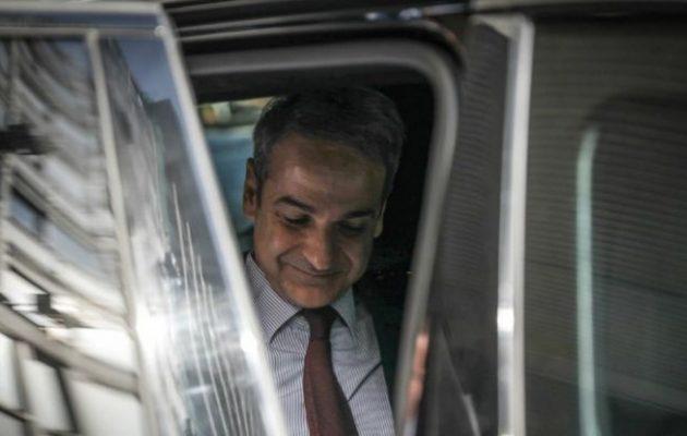 ΣΥΡΙΖΑ σε ΝΔ: Μιλάτε για «τουρίστες» όταν ο πρωθυπουργός κάνει long weekend στο Λονδίνο;