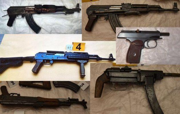 «Επαναστατική Αυτοάμυνα»: Δείτε όλα τα όπλα της οργάνωσης (φωτο)