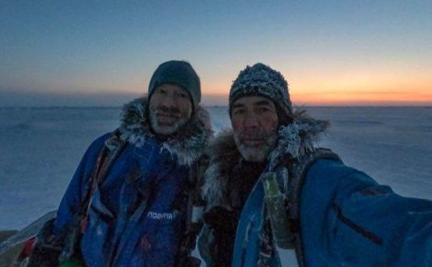 Δύο εξερευνητές δεν μπορούν να διασχίσουν τον Βόρειο Πόλο με σκι διότι ο πάγος είναι λεπτός