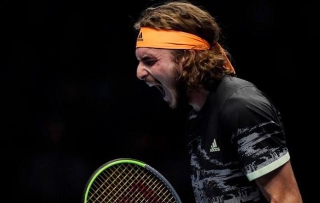 Θρίαμβος: Ο Τσιτσιπάς κέρδισε τον Φέντερερ και πήγε τελικό των ATP Finals