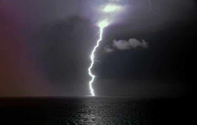 Άστατος ο καιρός τη Δευτέρα με βροχές και καταιγίδες