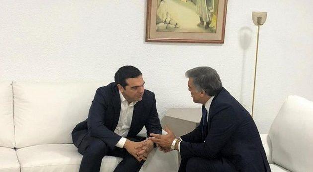 Ο Τσίπρας συνάντησε τον Αμπντουλάχ Γκιουλ στην Τυνησία