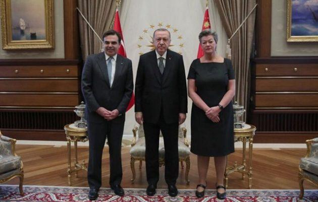 O Σχοινάς πήγε Τουρκία και είδε Ερντογάν για το προσφυγικό