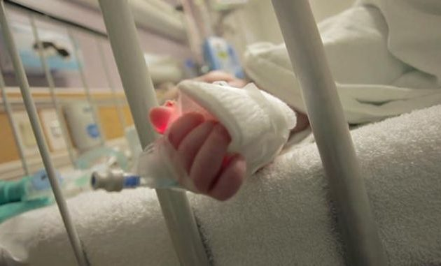 Στην εντατική μωρό 17 μηνών – Πνίγηκε από την τροφή του