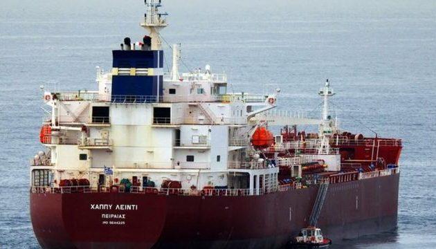 Εντείνεται η αγωνία για τους πέντε Έλληνες ναυτικούς που κρατούνται όμηροι από πειρατές