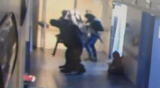 Μέλη καρτέλ αρπάζουν ασθενή από νοσοκομείο – Αργότερα βρέθηκε διαμελισμένος (βίντεο)