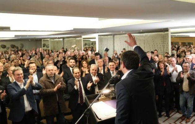 Το πατριωτικό ΠΑΣΟΚ έχει αρχηγό! Τον Αλέξη Τσίπρα – Σε νευρικό κλονισμό οι ΚΙΝΑΛίτες