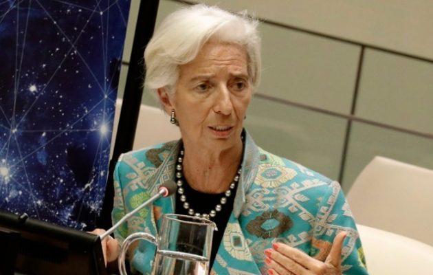 Η Λαγκάρντ απέκλεισε την συμμετοχή των ελληνικών ομολόγων στην ποσοτική χαλάρωση της ΕΚΤ