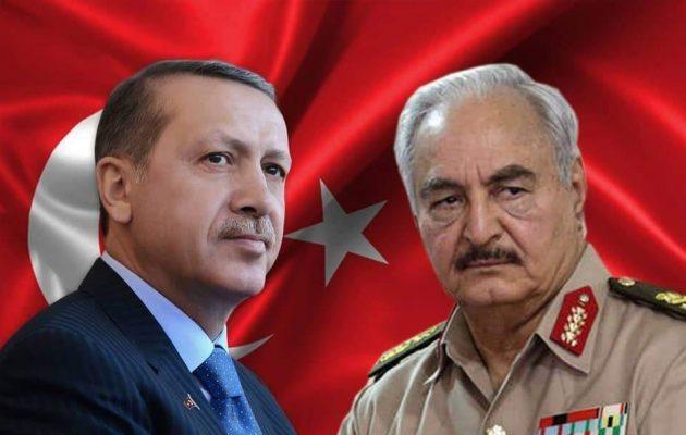 Ο Ερντογάν απειλεί τον Χαφτάρ: Τουρκικός στρατός, ναυτικό και αεροπορία στο πλευρό του Σάρατζ
