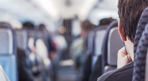 Συνελήφθη 32χρονος γιατί κάπνιζε μέσα στην τουαλέτα αεροσκάφους