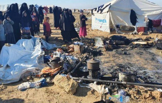 Γυναίκες μέλη στο Ισλαμικό Κράτος προσπάθησαν να κάψουν ζωντανή γυναίκα και τα παιδιά της στο Αλ Χολ