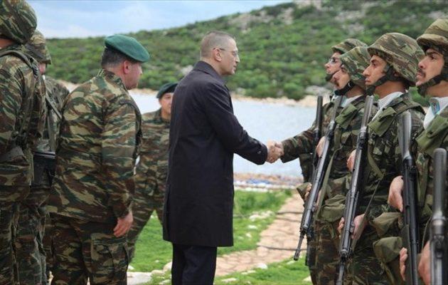 Σε Έβρο και Μαγνησία ο Αλ. Στεφανής: Επισκέφθηκε μονάδες του Στρατου και της Αεροπορίας