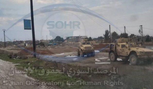 Αμερικανοί στρατιώτες κλείνουν τους δρόμους σε ρωσικές περιπόλους στη Β/Α Συρία