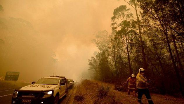 250.000 Αυστραλοί καλούνται να εγκαταλείψουν τα σπίτια τους για να γλιτώσουν από τη λαίλαπα
