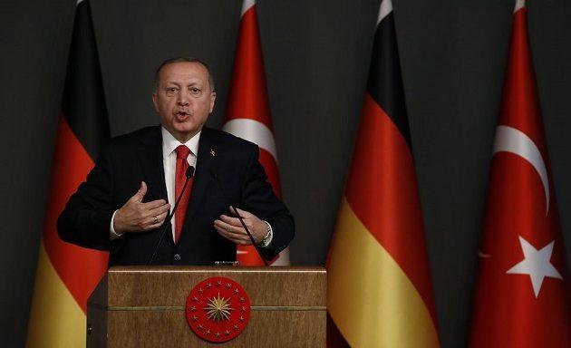 Ερντογάν: Δεν θα εγκαταλείψουμε τον Σαράτζ στη Λιβύη