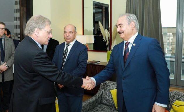 Ο Χαλίφα Χαφτάρ συναντήθηκε με τον πρέσβη των ΗΠΑ στη Λιβύη Ρίτσαρντ Νόρλαντ