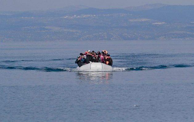 Βάρκα με 36 πρόσφυγες και μετανάστες στη βορειοανατολική Λέσβο