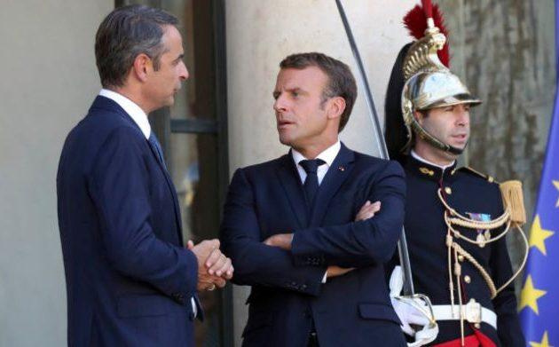 Ο Μητσοτάκης συναντά τον Μακρόν στο Παρίσι απέναντι σε μια Τουρκία που «οργιάζει»
