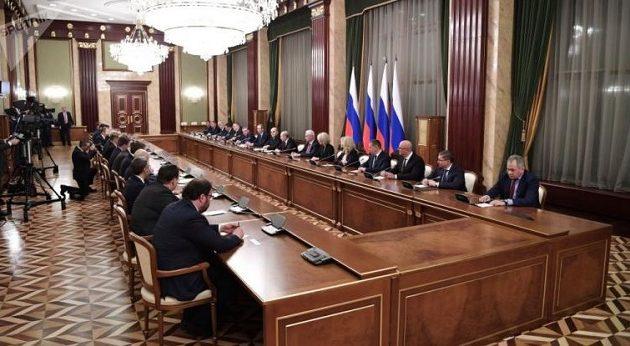 Αυτή είναι η νέα κυβέρνηση της Ρωσίας με τις ευλογίες Πούτιν