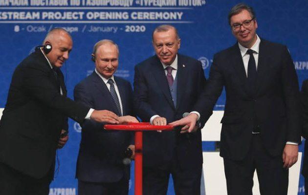 Ρωσική ενεργειακή «εισβολή» στα Βαλκάνια με τις πλάτες της Βουλγαρίας – Πανευτυχής ο Βούτσιτς